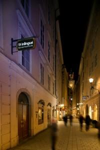 inlingua Salzburg bei Nacht